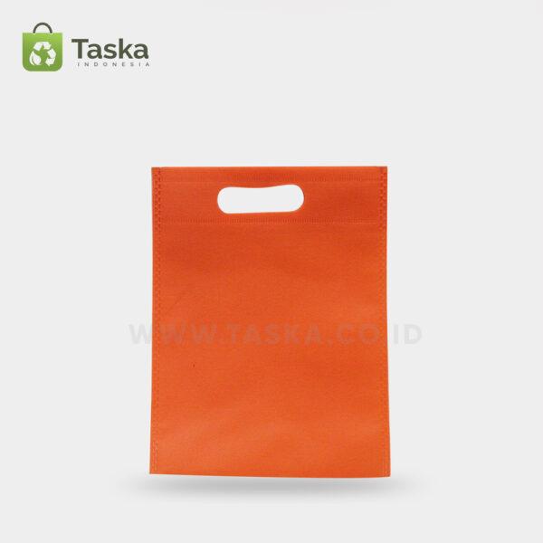 Tas-Spunbond-Oval-Orange25x35-Cm–Sisi-Depan